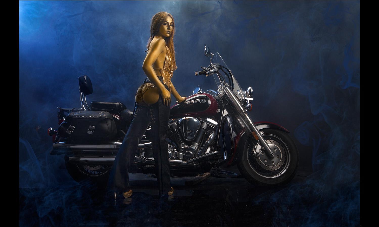 babe motorcycle blueSmoke Motorcycle Babes